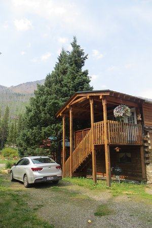 Silver Gate, MT: The Loft cabin with parking space