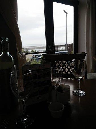 Linn Duachaill Restaurant at The Glyde Inn: Our view from our table at dinner.