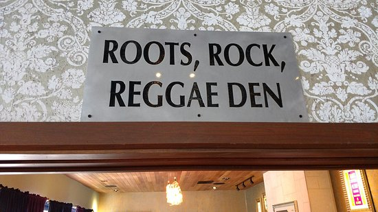 Hard Rock Cafe Montego Bay: Entrance into one of the private rooms....