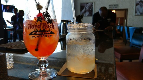 Hard Rock Cafe Montego Bay: Can't purchase a souvenir glass without breaking it in....
