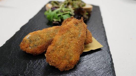Silvano d'Orba, Италия: Acciughe fritte: uno dei nostri piatti più semplici, ma anche più gustosi (e più richiesti).