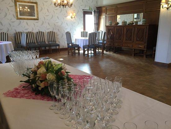 Le Tour-du-Parc, France: Salle privative pour les cocktails et repas de groupes