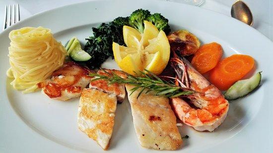 Trattoria Toscana: Fischvariation vom Grill, Gemüse und Paste