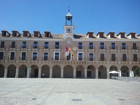 Ocana, إسبانيا: Fachada del Ayuntamiento