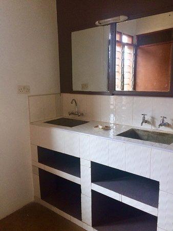 Oloitokitok, Kenya: N'Gaissi Complex shared bathroom