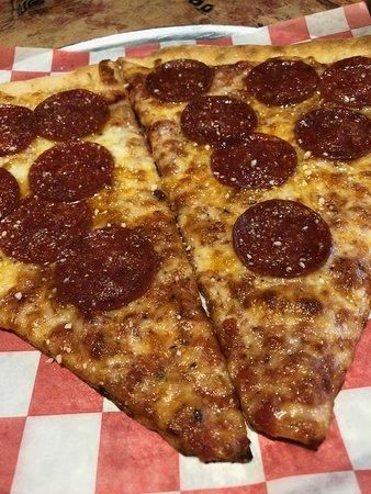 Vinny's N.Y. Pizza & Grill, Midtown Atlanta