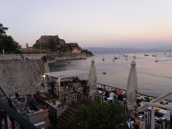 Old Fortress Corfu: η θέα από την Γαρίτσα.