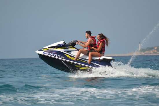 Roda de Bara, Ισπανία: Fly with the jetski!