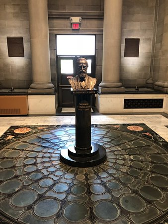 Rutherford B. Hayes Presidential Library & Museums: bust of President Hayes in beautiful room