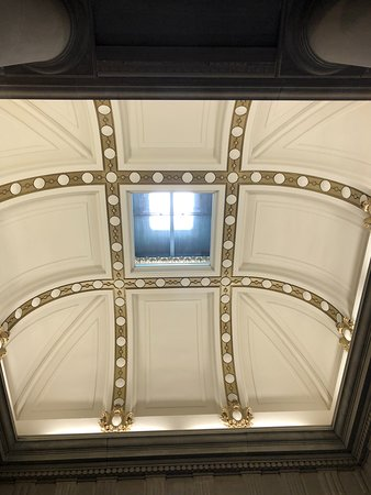 Rutherford B. Hayes Presidential Library & Museums: Ceiling in room that President Hayes' bust is located