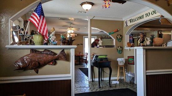 Inglis, FL: Interior