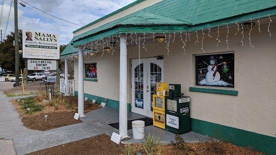 Inglis, FL: Front Entrance