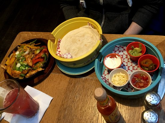 Las Iguanas: Chicken Breast Strips Fajitas