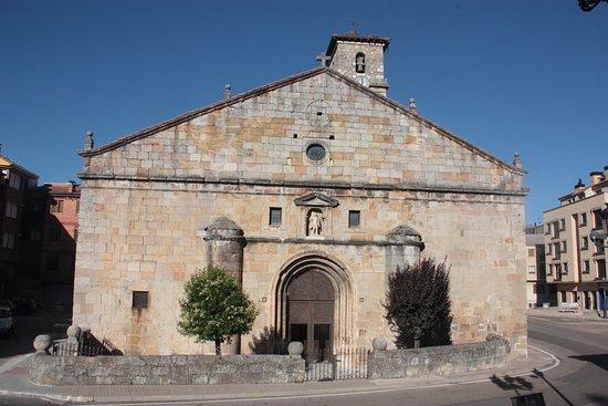 Parroquia De San Leonardo Abad
