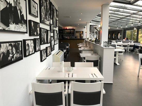 Edingen-Neckarhausen, Germany: Blick in den Gastraum