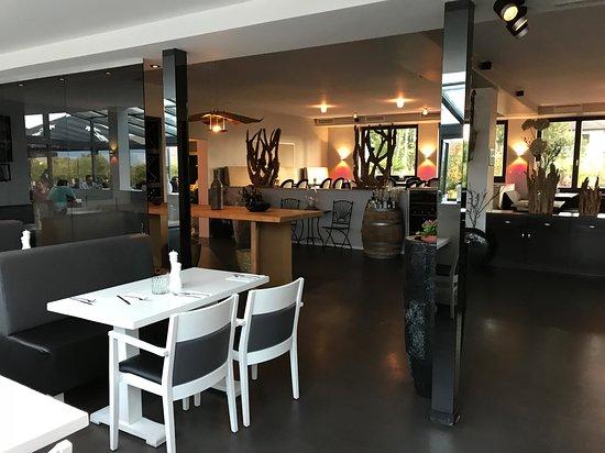 Edingen-Neckarhausen, Germany: Blick in den Gastraum 2