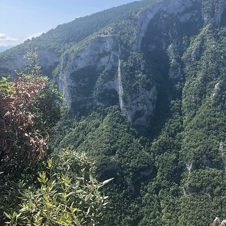 Litochoro, Yunani: Amazing views on the way up to the Zilnia viewpoint