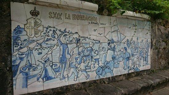 Linares de Ribadesella, Spain: Paneles de Mingote