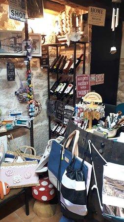 Saliunca Souvenir Shop