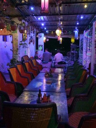 Nirvana cafe and pizzeria