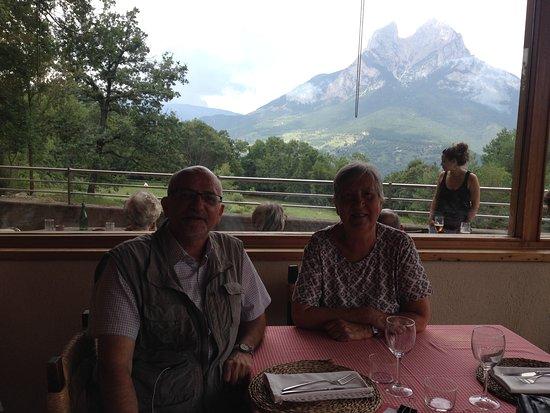 Saldes, إسبانيا: Desde el comedor vista del Pedraforca
