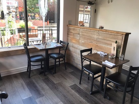 seating and decor - Picture of Spuntino