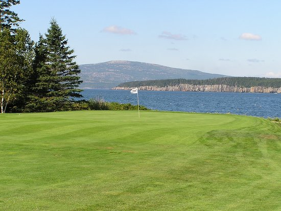 "Winter Harbor, Μέιν: Hole #2 ""Ironbound"" with breathtaking views of Frenchman Bay, MDI, and Ironbound Island."