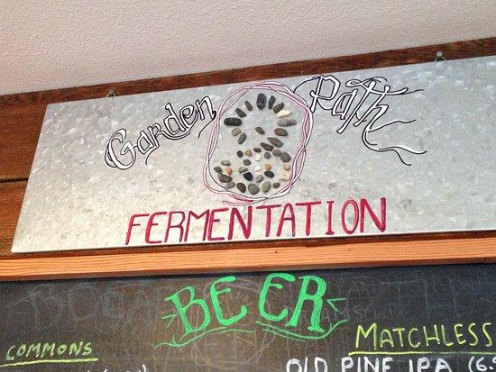 Burlington, Вашингтон: Garden Path Fermentation