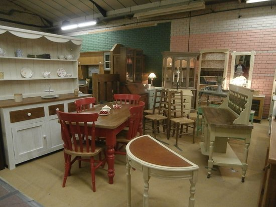 GB Antiques Centre: upcycling