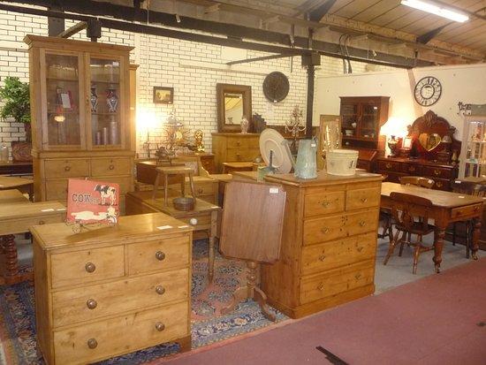 GB Antiques Centre: Pine