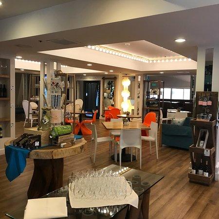 Ashland Hills Hotel & Suites: photo1.jpg