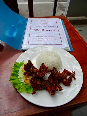 We Cheers Restaurant & Bar: fresh fried froglegs