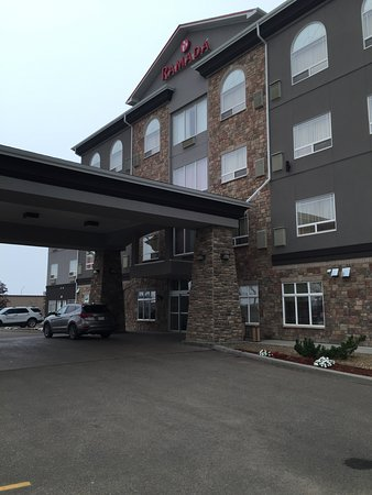 The entrance to Wainwright Ramada