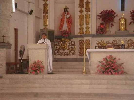 Bulacan Province, Filipinas: inside the church