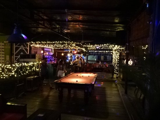 11 Happy Backpackers: the bar