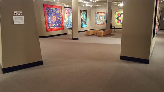 The National Quilt Museum: Beautiful Quilt Collections