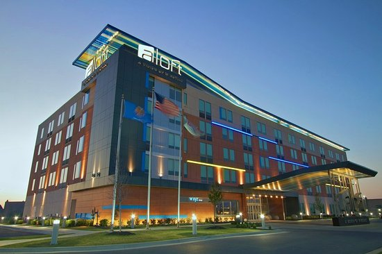 Aloft Tulsa: Exterior