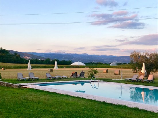 Pastrengo, Italia: Aspettando il tramonto ....