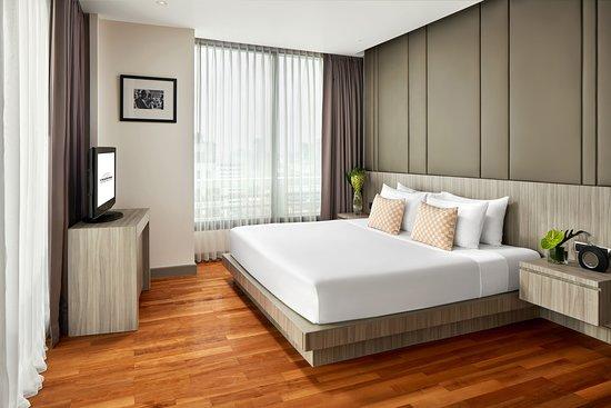 . 1 Bedroom Premier   Living Room   Picture of Fraser Suites Sukhumvit