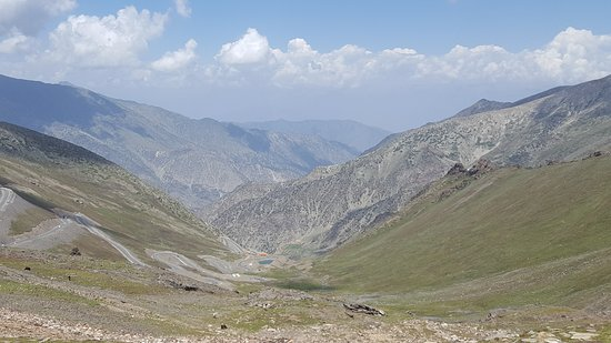 Kaghan, Pakistan: Road towards Chilas