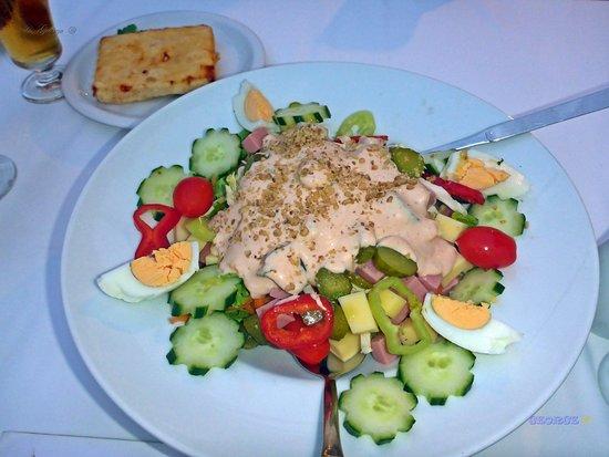 Drama Region, Yunani: Νησάκι , Πολύ καλό φαγητό , μέσα στις πηγές της Αγίας Βαρβάρας