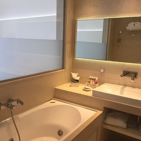 Badezimmer Mit Jacuzzi Wanne Picture Of Cavo Olympo Luxury Hotel