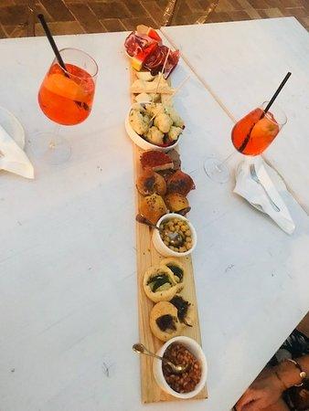 Michele & Co Perugia: apericena con spritz