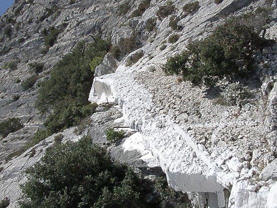 Votsalakia, Greece: Σπηλιά Πυθαγόρα