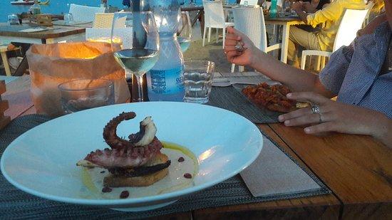 Porto Taverna, Italie : 20180807_204824_large.jpg