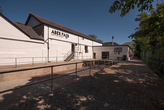 Abergwyngregyn, UK: Aber Falls Distillery external photo