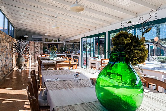 Hotel I Dammusi Di Borgo Cala Creta Restaurant: Veranda