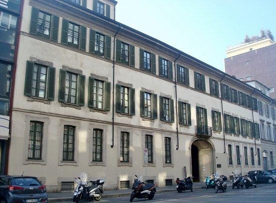 Palazzo Litta Modignani