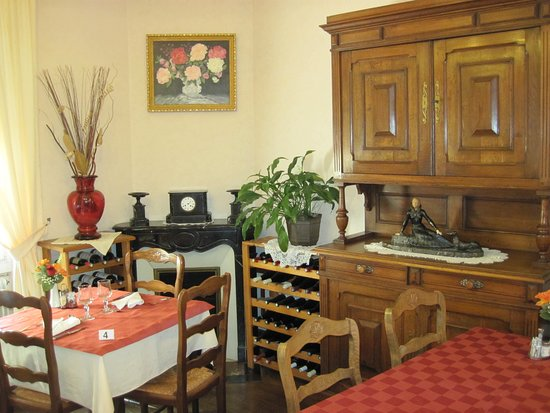 Auberive, ฝรั่งเศส: Salle du restaurant