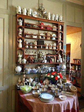 Romainmotier, Suíça: la collection de théières